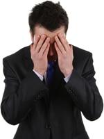 Un hombre de negocios estresado