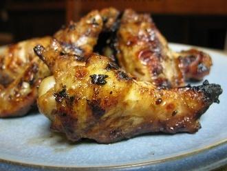 Alitas de pollo de inspiración asiática