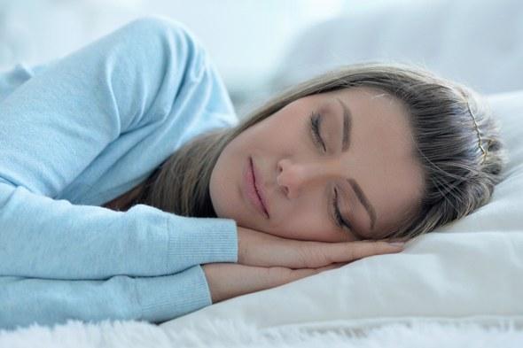 Morena durmiendo