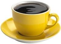 Café en una taza amarilla