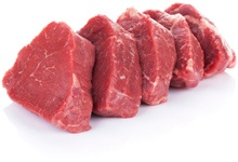 Cortar trozos de carne roja