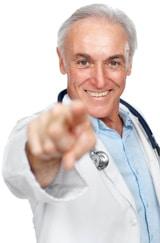 Doctor señalando con el dedo