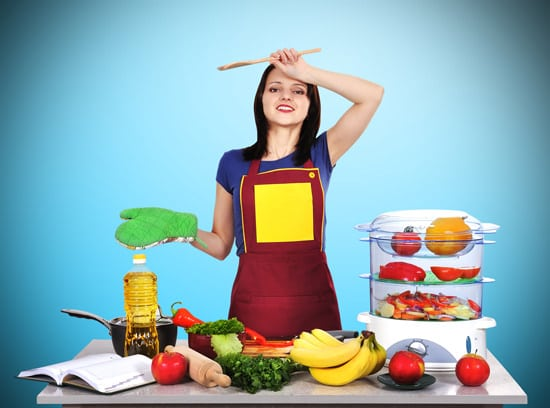 Ama de casa cansada de cocinar