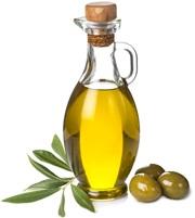 Aceite de Oliva en Botella de Vidrio y Tres Aceitunas Verdes y Hojas