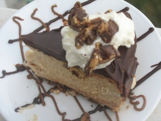 Cheesecake de chocolate con mantequilla de maní
