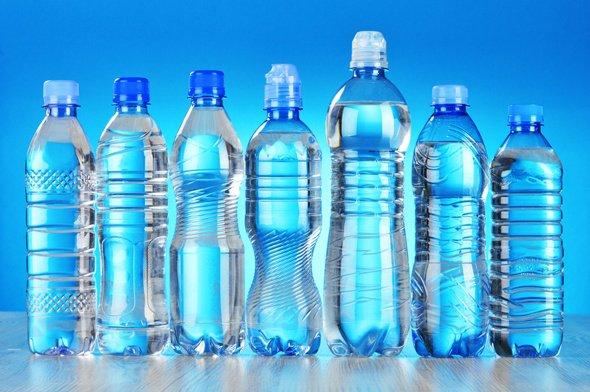 Siete botellas de agua