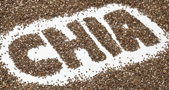 La palabra chía deletreada con semillas de chía